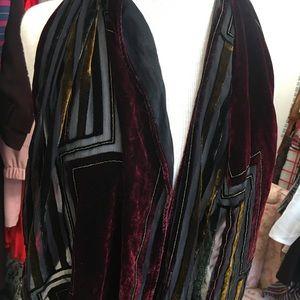 Burnout velvet striped scarf